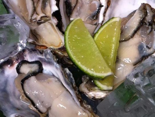 ミトラタカセの牡蠣食べ比べセット!!全国からの仕入れで今日はどれかな ?
