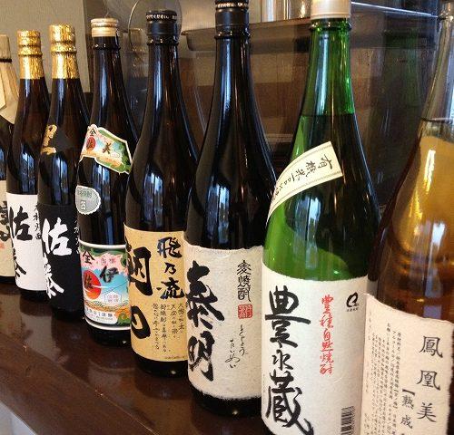 ミトラタカセのお酒の数々…。牡蠣はワインだけではないんですよ!!