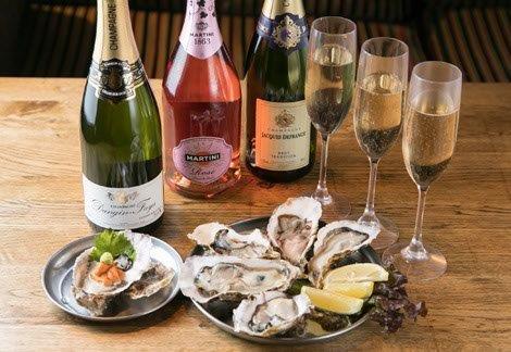 各種お酒と生牡蠣
